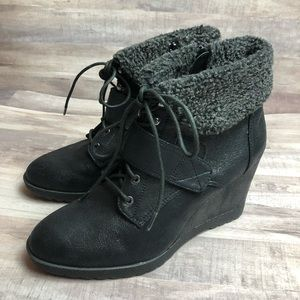 Simply Vera Black Wedge Bootie Faux Shearling